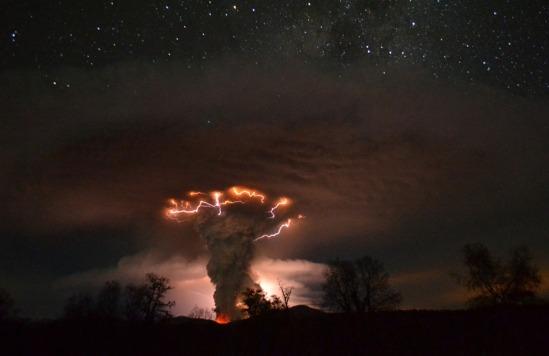 eruption of the cordon del caulle (image: ricardo mohr; courtesy stumbleupon)