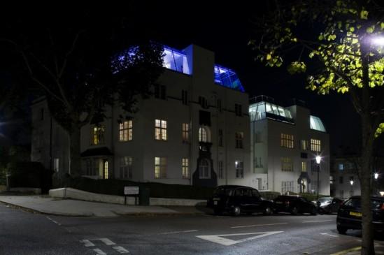 notting hill penthouse (image: studio rhe, courtesy gizmag)