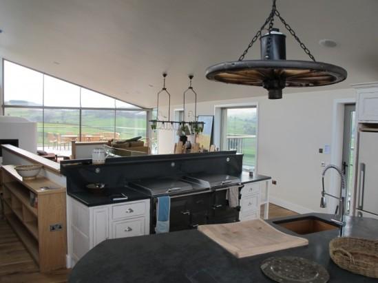 wool insulated farmhouse: not your average farmhouse kitchen (image: courtesy gizmag)